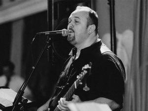 Milan Drvodelić - bas gitara, kontrabas, vokal